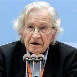 """Noam Chomsky: """"La supervivencia de la democracia está en juego""""(Video)"""